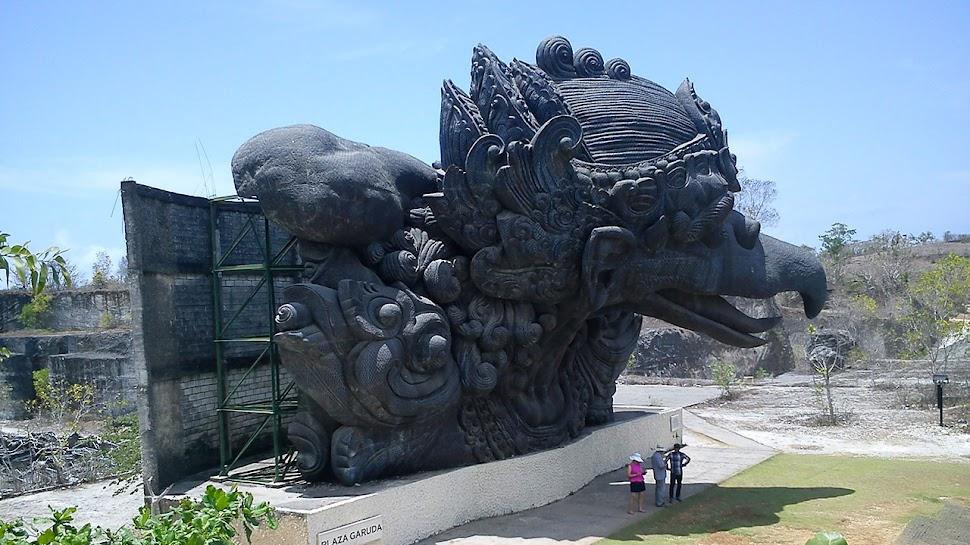 Main Ke Garuda Wisnu Kencana Cultural Park Bali
