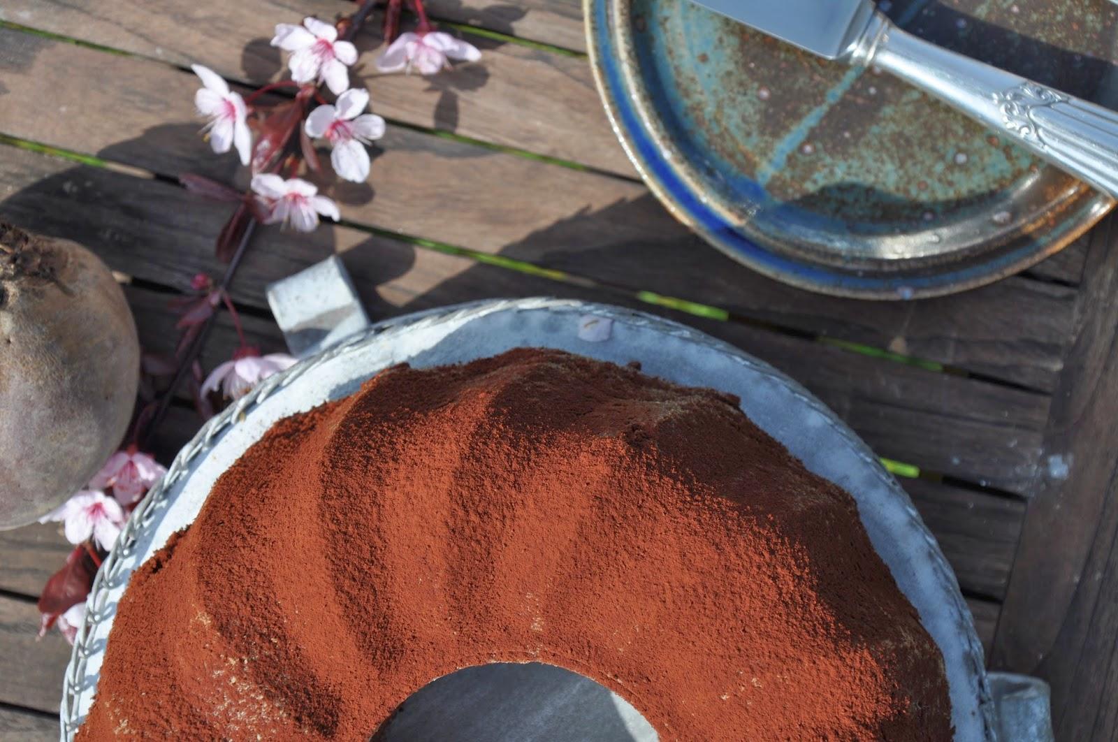 kr melkreationen schoko guglhupf mit roter beete und oliven l. Black Bedroom Furniture Sets. Home Design Ideas