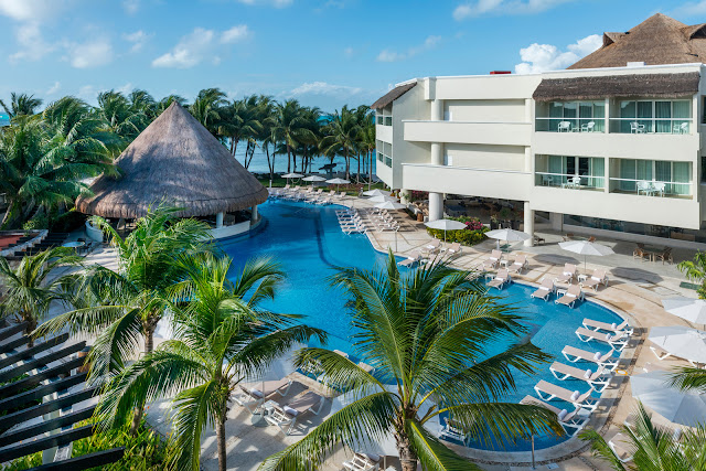 Ideally located in a tranquil fishing village on the island of Isla Mujeres, Mexico, Isla Mujeres Palace Couples Only All Inclusive Resort offers endless activities and entertainment.