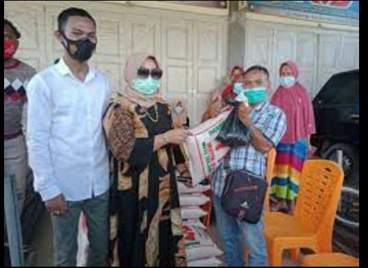 Ini Kegiatan Presdir PT Imza Risky Jaya Hj Rizayati dan Eddie Foundation Selama di Aceh