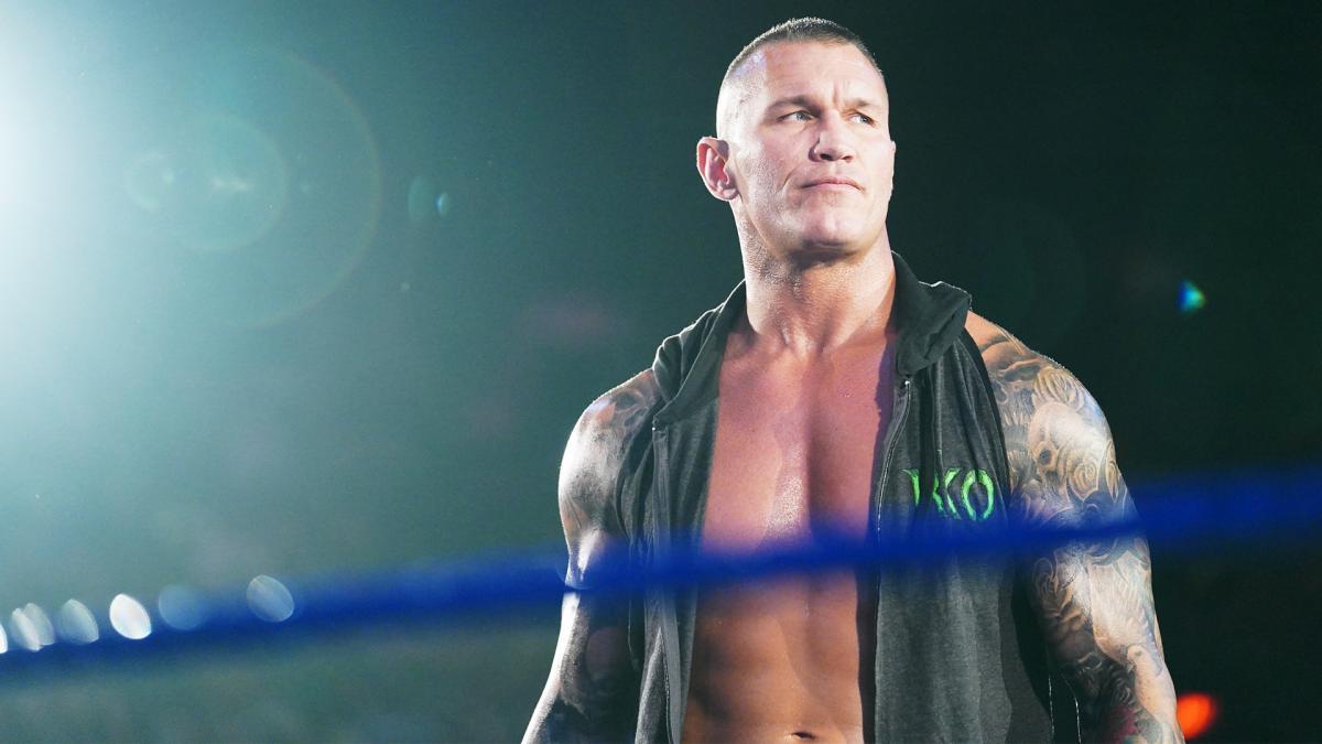 RETRIBUTION mostra interesse em recrutar Randy Orton