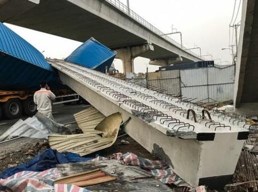 Cầu vượt đi bộ Suối Tiên xây thấp hơn tiêu chuẩn 0,31m
