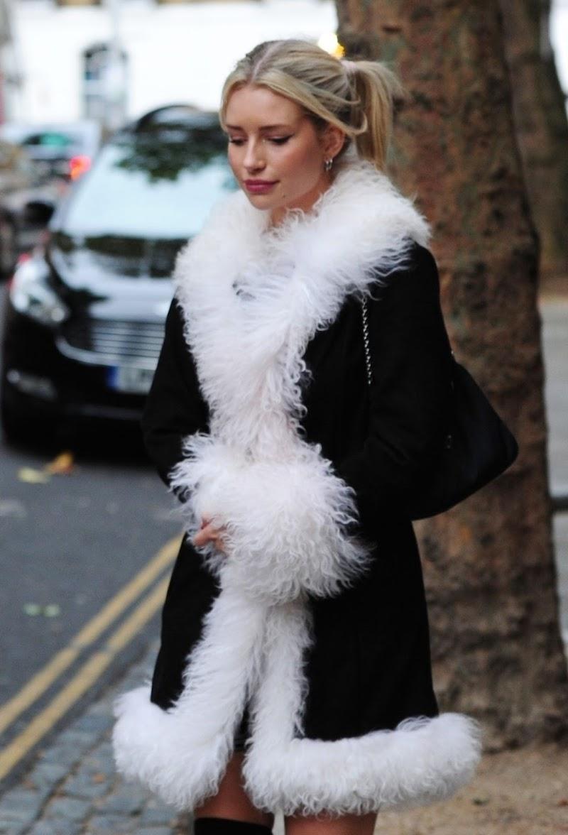 Lottie Moss Clicks at Bluebird Cafe in London 26 Sep -2020