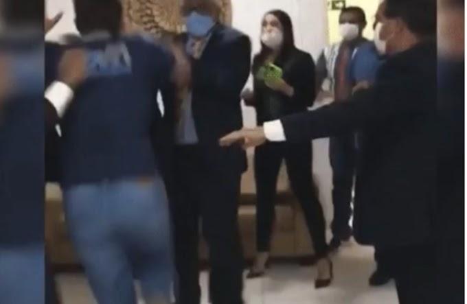 """QUEBRA-PAU - Câmara Municipal de Timon registra briga entre ex-parlamentar e vereador com direito a """"saidinha pelos fundos"""""""