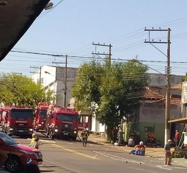 Incêndio destrói casa de tintas em Presidente Prudente