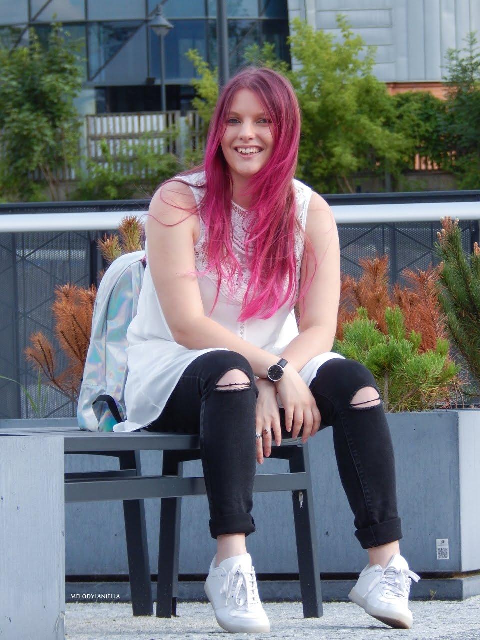 17 holograficzny plecak betterlook.pl farby venita różowe włosy jak pofarbować włosy kolorowe włosy ombre pink hair paul rich watches zegarek czarne jeansy z dziurami modna polka lookbook