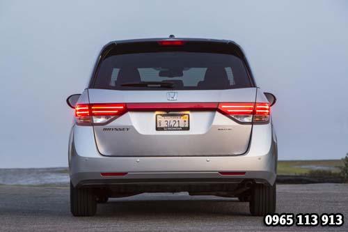 Đuôi xe Honda Odyssey 2016