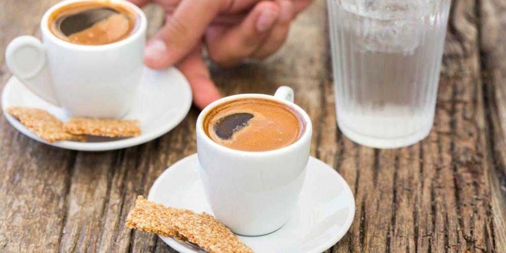 Ο λόγος που δεν πρέπει να πίνετε καφέ πριν τις 9:30 το πρωί