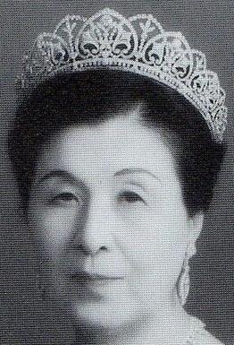 diamond floral tiara japan princess takamatsu kikuko mikimoto