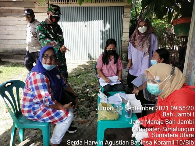 Pendampingan Pihak Medis Puskesmas Jawa Maraja Didampingi Personel Jajaran Kodim 0207/Simalungun