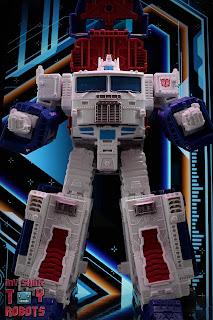 Transformers Kingdom Ultra Magnus 31