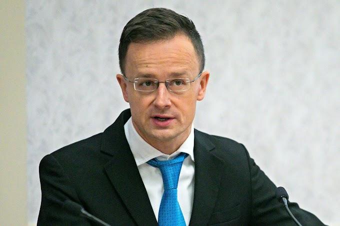 """""""A legfontosabb célunk az, hogy a magyar emberek munkahelyeit megvédjük"""""""