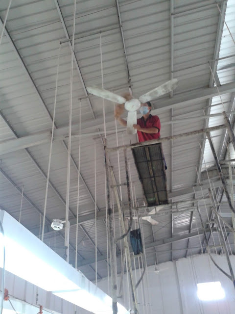 Quét mạng nhện nhà xưởng