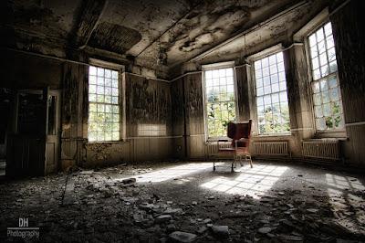 Ruangan Berhantu