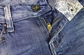 Membeli Celana Jeans Lebaran Online