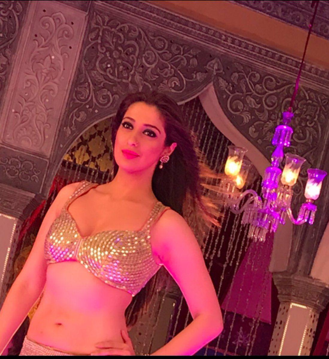 Lakshmi Rai Latest Stills in Khaidi No 150 'Ratthalu' Item Song | c65 ...