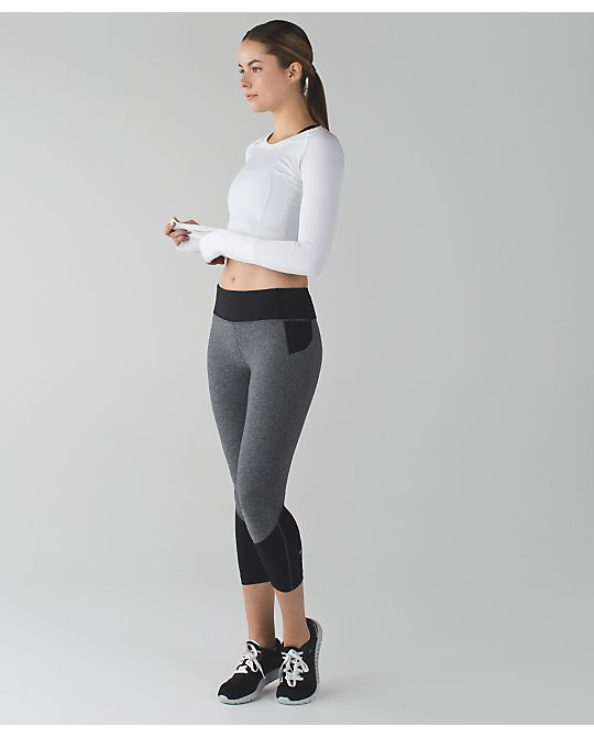 lululemon heathered-black-pace-rival-crop
