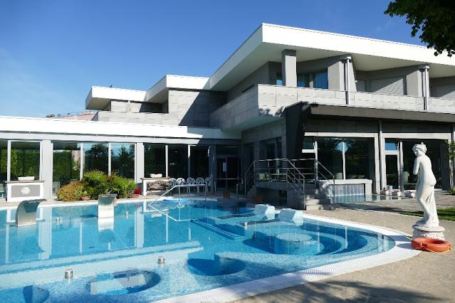 hotel con piscina esterna riscaldata
