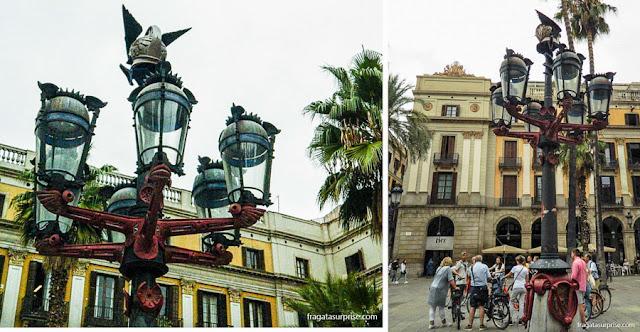 Luminárias desenhadas por Gaudí na Plaça reial de Barcelona