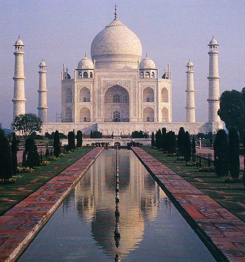World Visits Taj Mahal One Of The Seven Wonders Of The