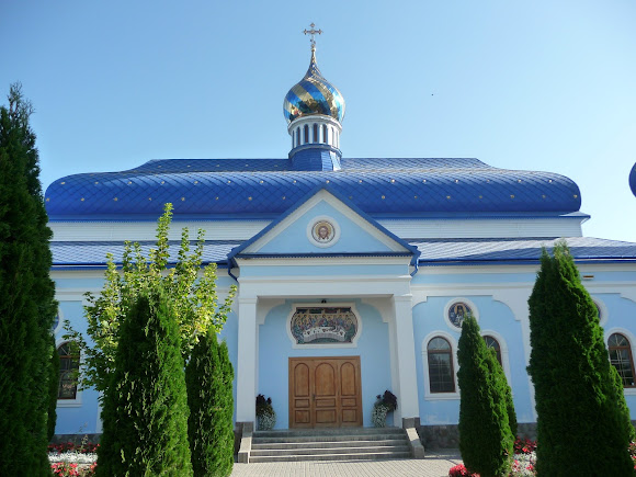 Банчени. Свято-Вознесенський монастир. Трапезна