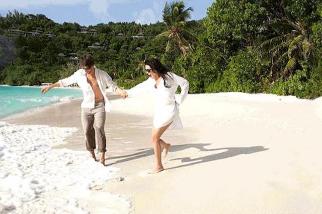 В Таиланде заметили Анастасию Заворотнюк с мужем: актриса выглядит совершенно здоровой
