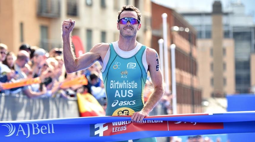 Jacob Birtwhistle y Georgia Taylor-Brown vencen en la World Triathlon Series Leeds 2019
