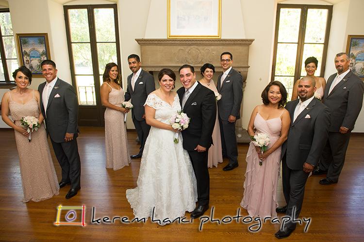 The entire wedding party in the Villa Del Sol D'Oro