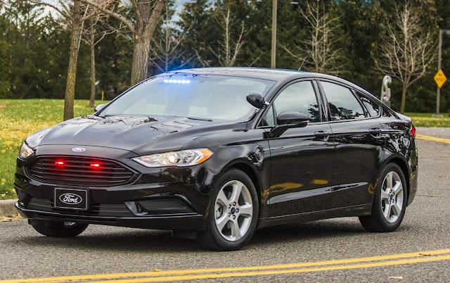 Ford lança modelo plug-in híbrido para polícia - EUA