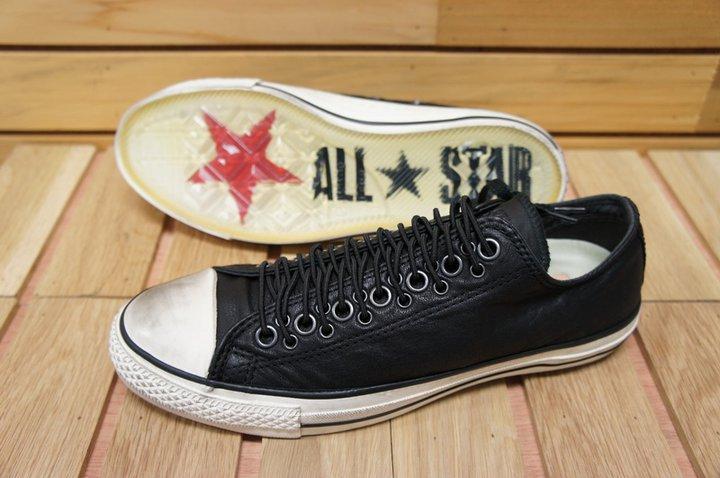 3cd5b8de0651c8 converse BY Sia  เปิดตัว! FALL 2011 - JOHN VARVATOS MULTI EYELETS !!