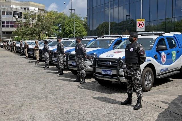 Governador Rui Costa entrega mais 49 viaturas para a PM e anuncia convocação de 1,7 mil policiais militares