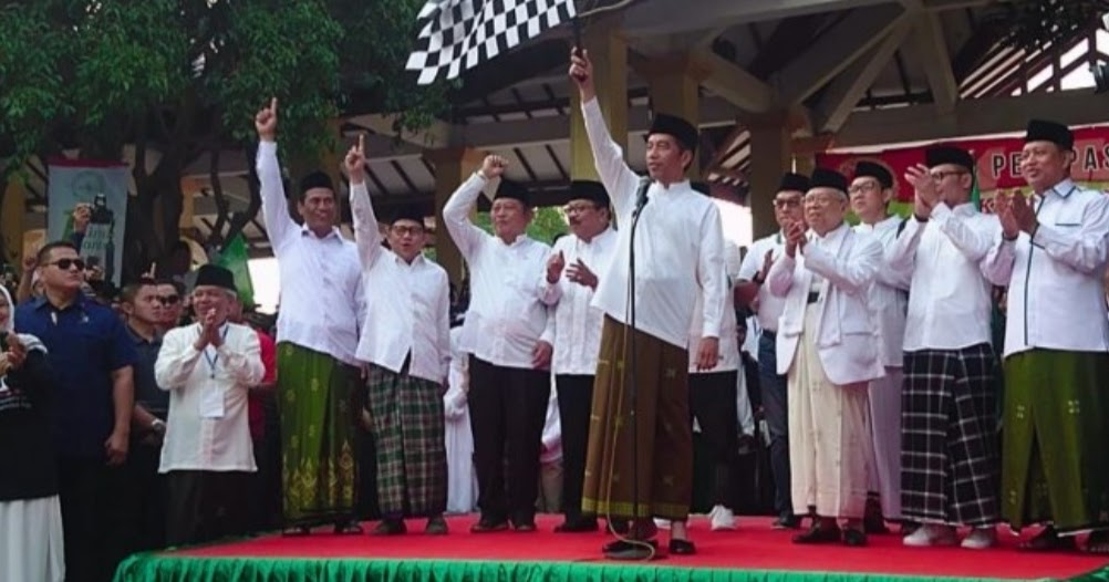 Jokowi Berangkatkan Sejuta Santri Ikuti Istighotsah Kubro