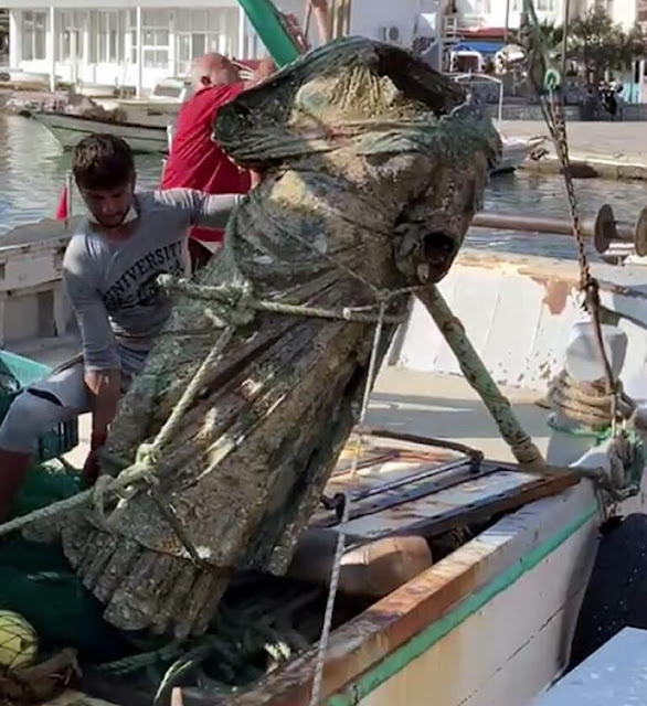Turkish fishermen net 300 kilo ancient bronze statue 'off the coast of Marmaris'