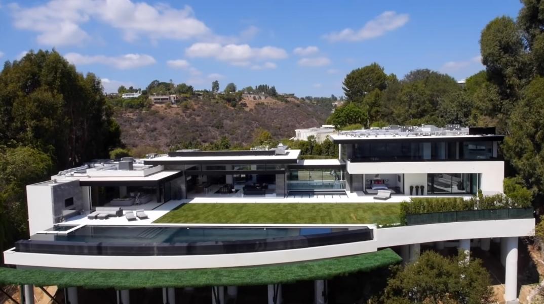 65 Interior Photos vs. Tour 864 Stradella Rd, Los Angeles, CA Ultra Luxury Modern Mansion