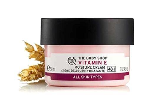 Pelembap muka Vitamin E Gel Moisture Cream