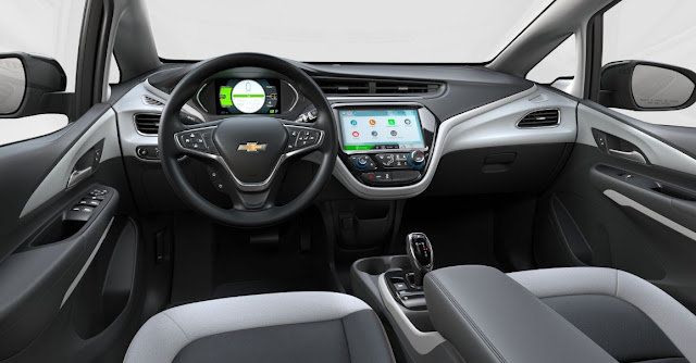 chevy-bolt-ev-interior-dashboard-steering-wheel-infotainment-system-gear-shifter-control-display-and-front-seats