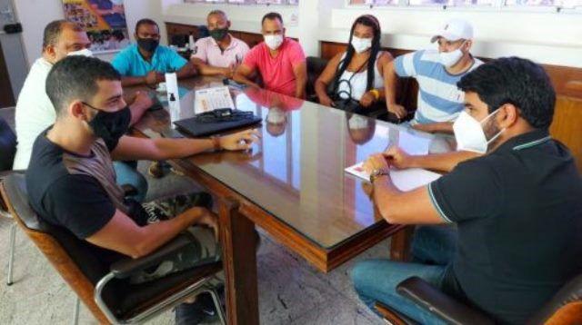 A pedido de donos de Bares, Hagge desafia decreto de Rui e estende toque de recolher. Governador deve usar a força policial