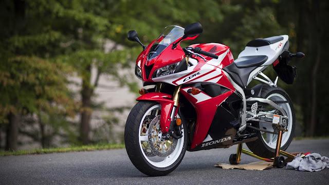 Red Honda motorcycle wallpaper