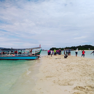 Mercusuar Pulau Lengkuas Belitung