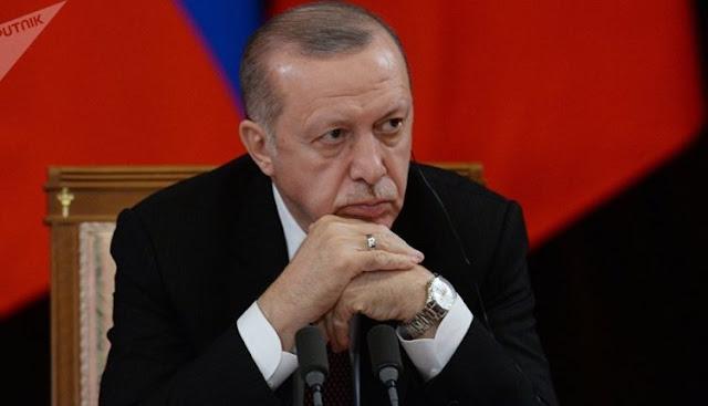 ما الذي يحدث في تركيا.. لأول مرة أردوغان يعقد اجتماعاً لساعات بمقر حزب العدالة والتنمية