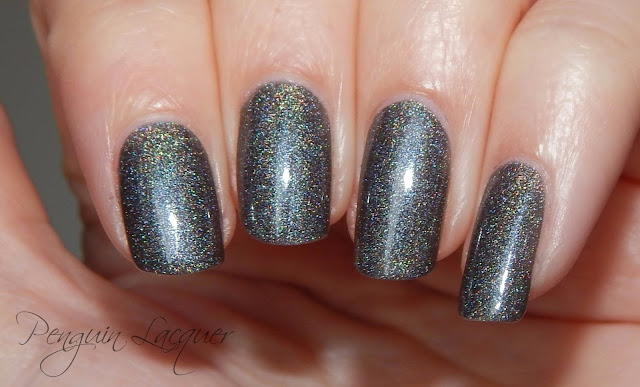 kiko holographic nail lacquer 006 graphite flashlight nah