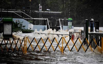 Australia warned of 'life threatening' flash floods