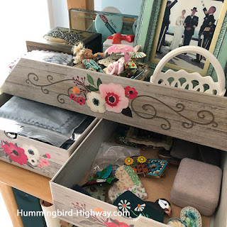 drawers contain more stuff