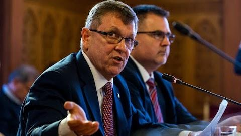 Matolcsy György újabb írásában vitába szállt Varga Mihály kijelentéseivel