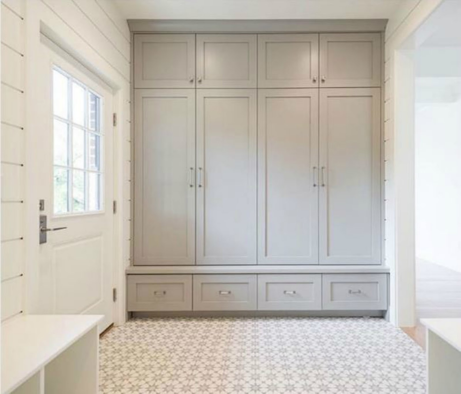 Becki Owens modern farmhouse mudroom entry interior design