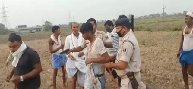 पटना में पुलिस ने मक्के की खेत में छिपे तीन लुटेरे को गिरफतार किया, फिर गांव वालों ने जमकर पिटाई की | JKNEWS175