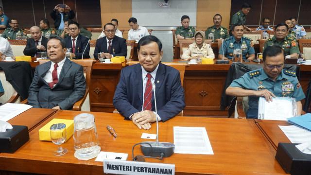 Hampir Setahun Absen Rapat Komisi I, Fraksi PDIP: Apa Harus Panggil Paksa Menhan Prabowo?