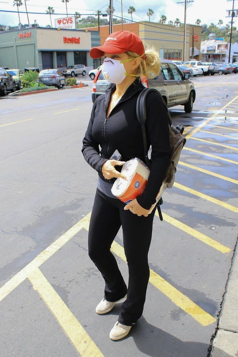 Donna D'Errico with Face Mask at Vons in Studio City  19 Mar -2020
