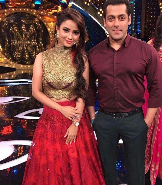 Salman Khan with Actress Adaa Khan