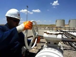 وزارة النفط تعلن تعيين 200 من خريجي هندسة النفط بصيغة عقد